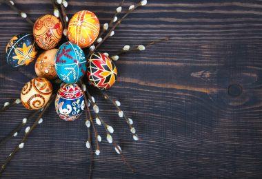 Osterdekoration basteln: 8 einfache Ideen für die Osterzeit