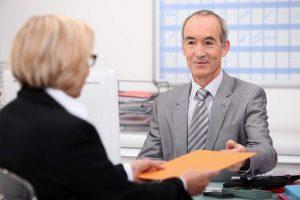 Kein automatischer Entschädigungsanspruch, wenn Sie ältere Bewerber nicht zu Vorstellungsgesprächen einladen