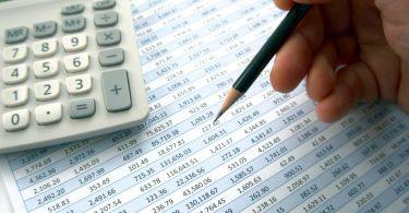 Excel: So setzen Sie die Funktion Summewenn ein
