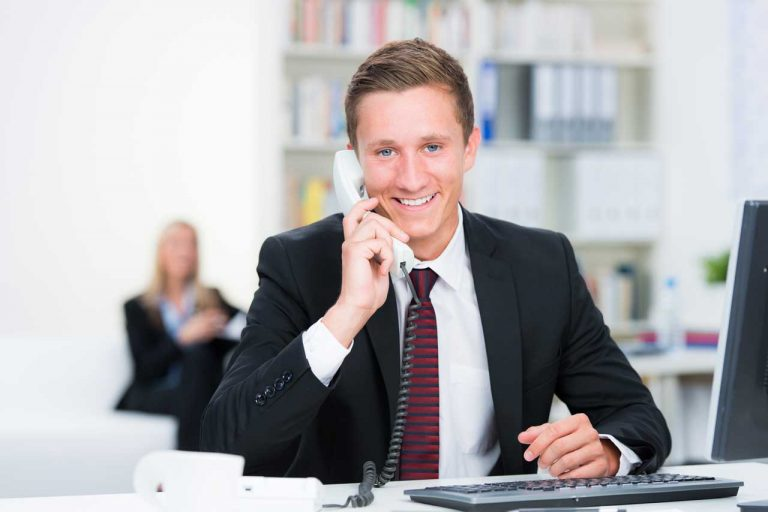 So finden Sie den passenden Dienstleister fürs Telefonmarketing: 4 Aspekte