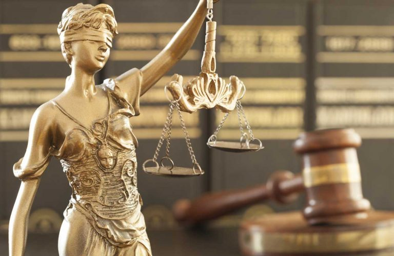 Vertretung durch einen Anwalt kann die WEG nicht verbieten