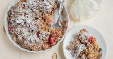 Kuchensommer: Rhabarber-Streuselkuchen mit Lavendel