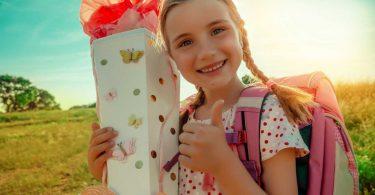 Überraschung für Ihr Kind: Was gehört alles in eine Schultüte zur Einschulung?