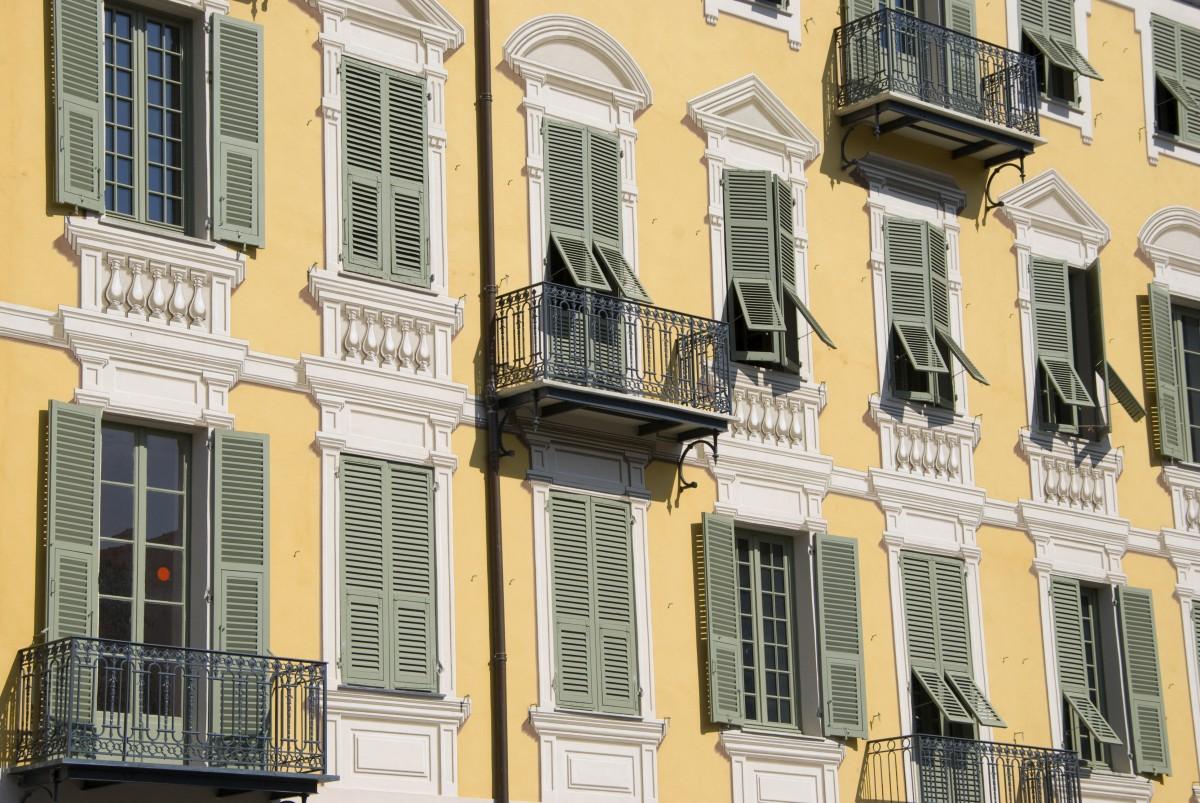 Französisches Fenster passt zur Fassade? Dann muss die WEG zustimmen