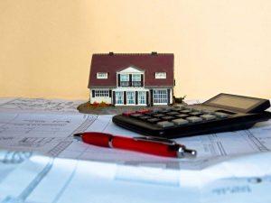 Hausgeldrückstand: Wann darf Verwalter Zahlungen einklagen?