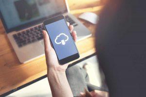 So lagern Sie Fotos von Ihrem Smartphone auf Google Fotos aus
