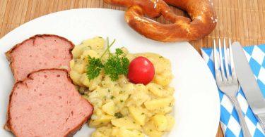 So schmeckt das Oktoberfest – Rezept für Bayerischen Kartoffelsalat mit Bieressig