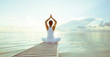 Yoga senkt den Blutdruck: Prophylaxe und begleitende Therapie
