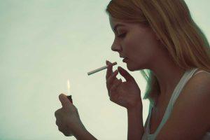 Gefahren verdeutlichen: Auswirkungen der Kombination aus Pille und Rauchen
