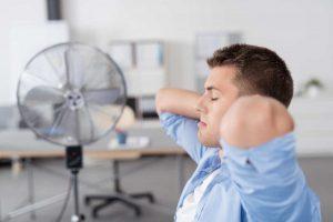 Sommerhitze: Klimaanlage in der WEG nur mit Zustimmung aller WEG-Mitglieder