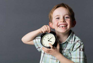 Zeitumstellung kein Problem für Kinder: 3 Praktische Tipps