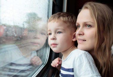 Mit Kindern Zug fahren: So reisen Sie entspannt