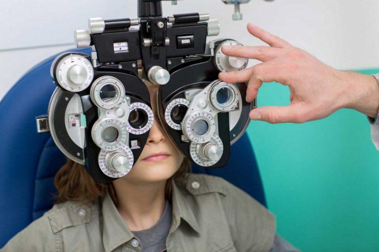Ab welchem Alter können Kinder Kontaktlinsen tragen?