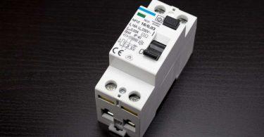 Schutz vor Stromschlägen: Fehlerstromschutzschalter