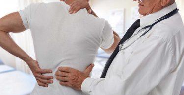 Warnzeichen Rückenschmerz: Vorbote für Morbus Bechterew