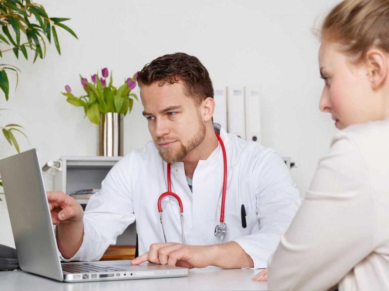Winterzeit = Erkältungszeit: Was gilt bei Arztbesuchen während der Arbeitszeit?
