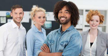 Fremdenfeindlichkeit mit Verhaltenskodex vorbeugen