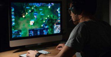 Augen auf beim Glücksspiel und Zocken: Nicht jedes Online-Spiel ist kostenlos