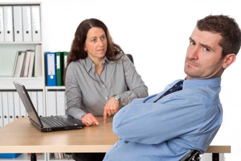 Der Arbeitgeber darf Nebentätigkeiten verbieten