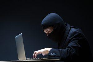 Betrüger und unseriöse Unternehmen im Internet erkennen