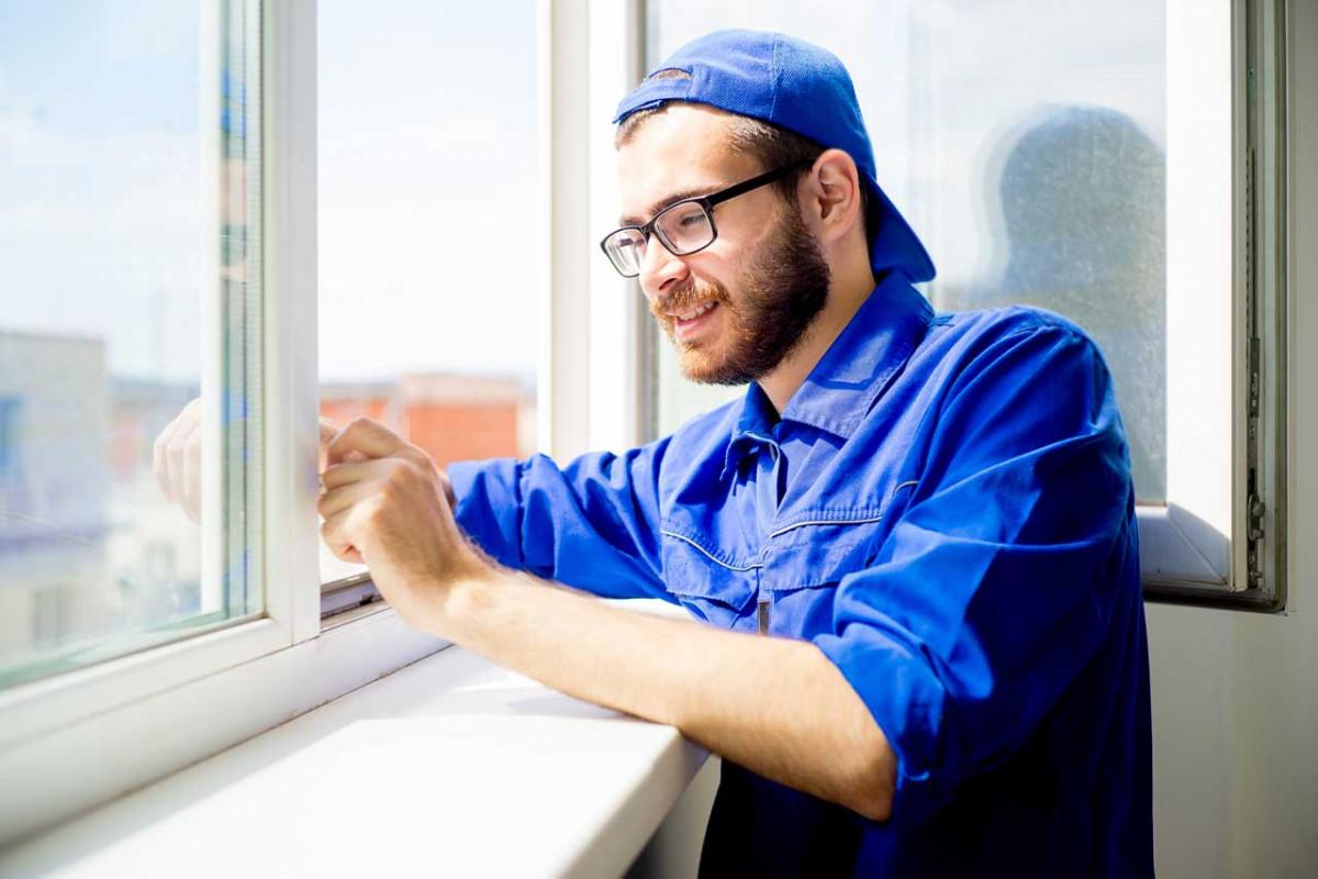 Alte Wohnungsfenster: Welche Beschlussmehrheiten gelten für Austausch und Reparatur?