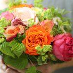 Mit Blumensträußen Lebensfreude verschenken