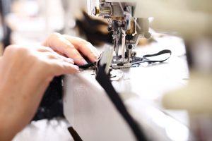 Wie Sie mit einfachen Mitteln Ihre Kleidung aufpeppen können