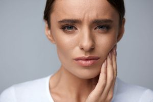Schüßlersalze bei Zahnproblemen und Parodontose einsetzen