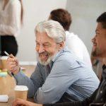 Gesundheitsschutz – So schützen Sie Ihre älteren Kollegen