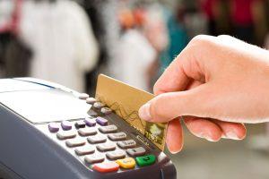 So funktioniert Kartenzahlung mit Pin und Unterschrift