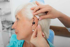 HNO-Arzt oder Hörakustiker - Was tun bei Hörproblemen?