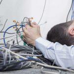 Hilfe Kabelsalat – Wie Sie Kabel richtig verstecken