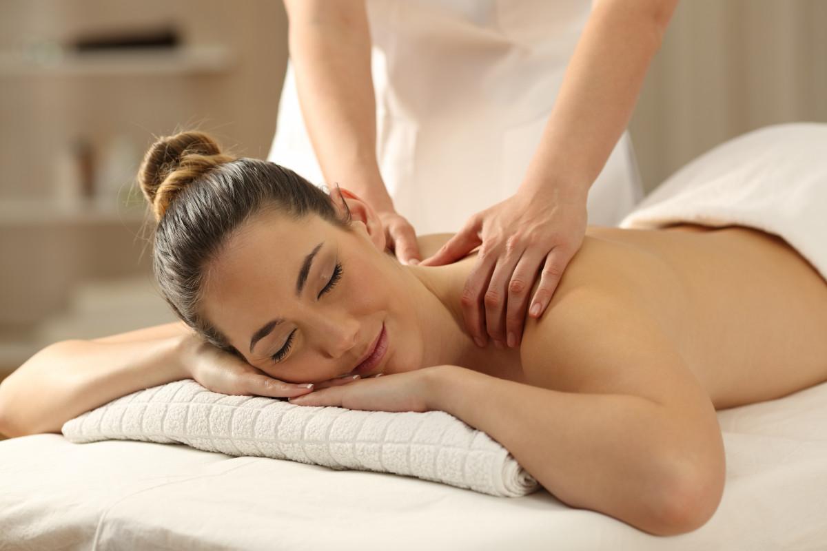 Massage gegen Stress - entspannte Wellness