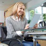Behinderte Menschen und Wohnungshilfen