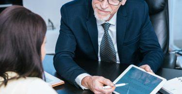 Checkliste: Enttarnen Sie unseriöse Finanzberater