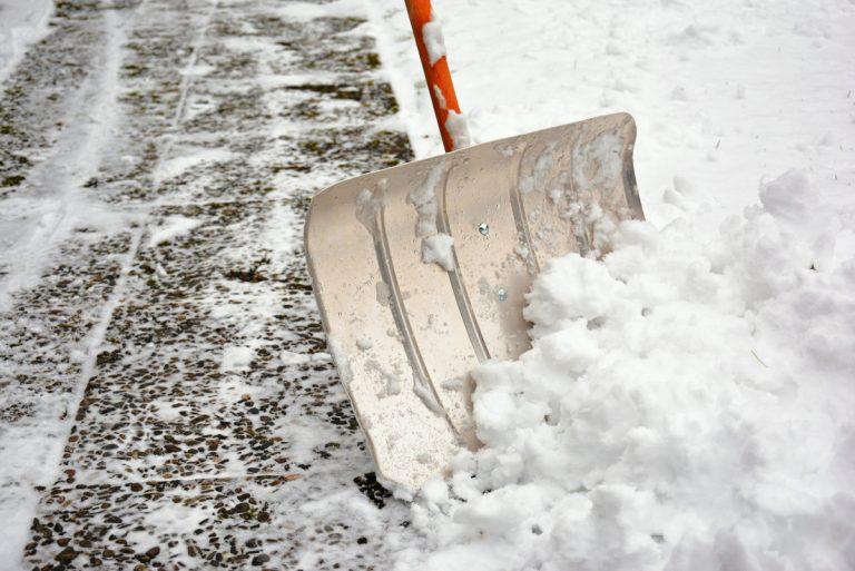 Winterdienst: Darauf sollten Vermieter und Mieter achten