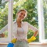 Moderne Hausfrau und psychische Belastungen: Im Arbeitsplatz leben