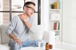 Frozen Shoulder: Übungen für versteifte Schultern