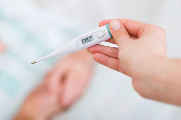 Fiebermessen zur Kontrolle des Krankheitsverlaufs