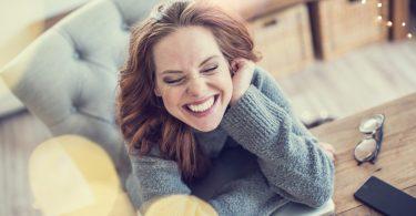 Lachen gegen Stress im Job