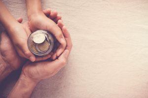 Sparen für die Kinder – das müssen Eltern wissen