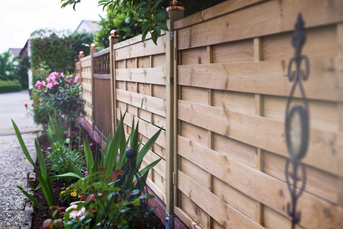 Sichtschutz Im Garten Holz Und Weide