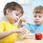 Fünf gesunde Lebensmittel für das Menü Ihrer Kinder
