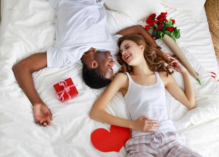 Romantische und kulinarische Deko für den Valentinstag gestalten
