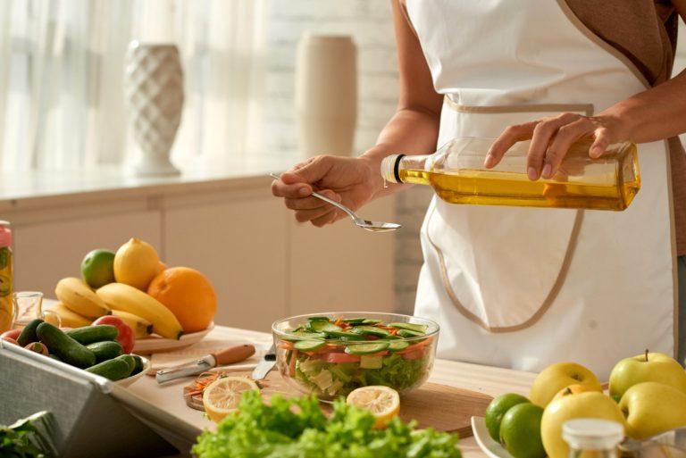 Heiße und kalte Küche: Welches Öl sich wann eignet