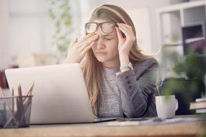 Müde bei der Arbeit? Mit diesen 7 Tipps zu mehr Konzentration