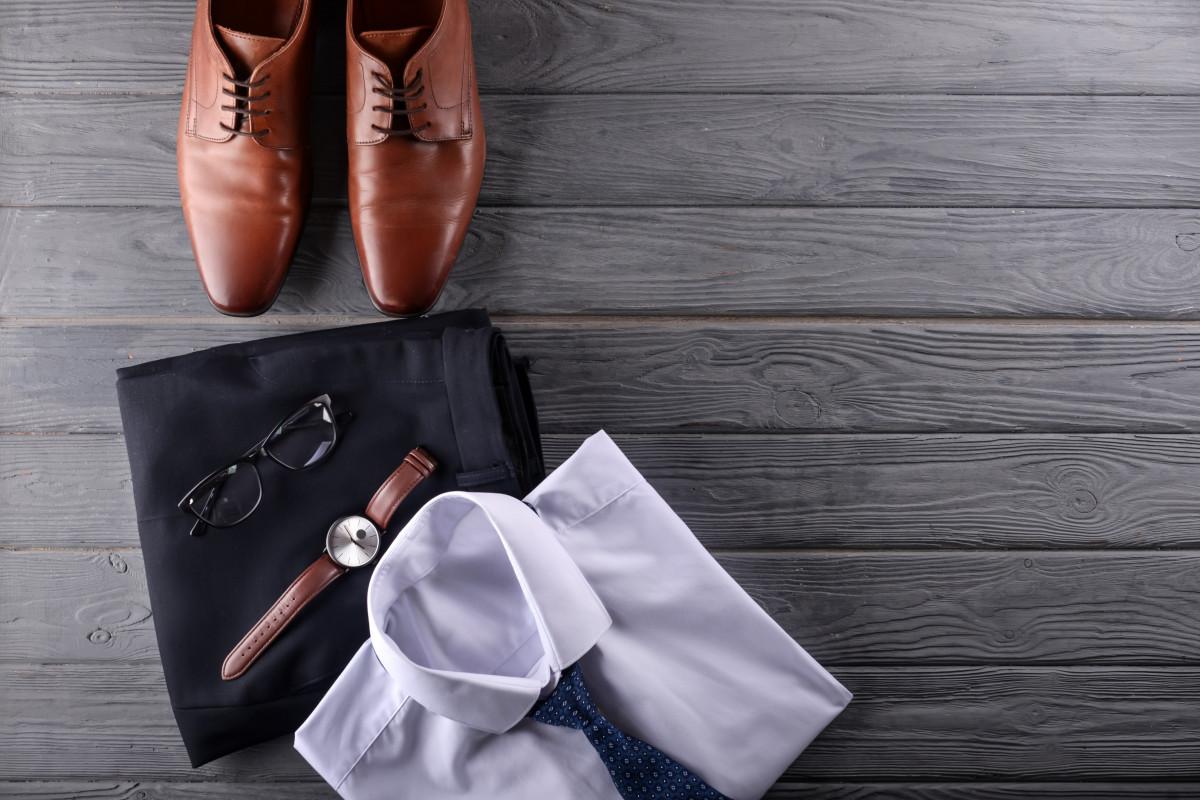 Business Casual: Mit der richtigen Garderobe auf Firmenfeiern brillieren