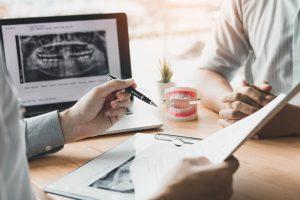 Zahnimplantate: Das müssen Sie wissen