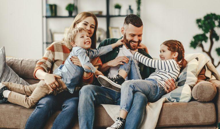 Zum Schutz der Liebsten: Die wichtigsten Möglichkeiten, um eine junge Familie abzusichern