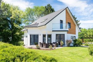 Mietwohnung oder Immobilie kaufen? Was sich 2021 überhaupt noch lohnt
